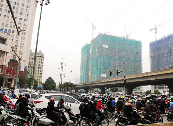 gridlock and smog deter future my dinh residents
