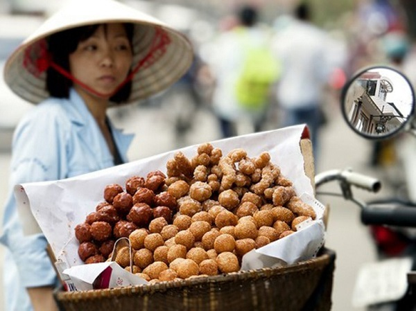 Childhood nostalgic with Hanoi's street food