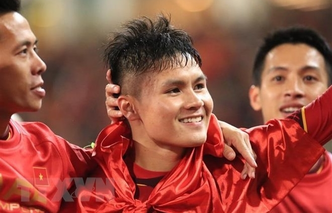 vietnam football star nguyen quang hai among asias top ten