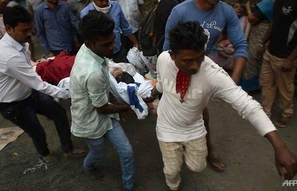 fire at mumbai hospital kills six injures over 100