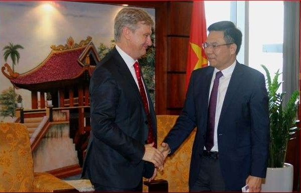 shell tempted by return to vietnamese fuel sector