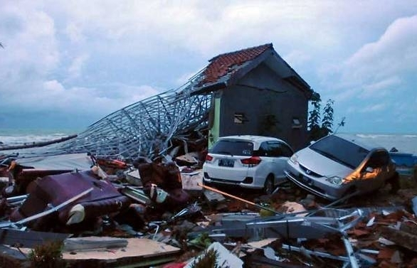 trump voices support for indonesia after tsunamis unthinkable devastation