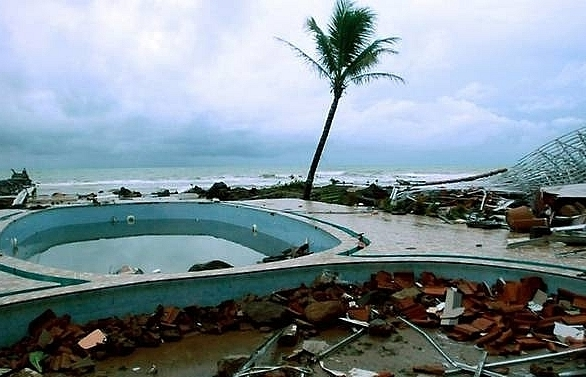 indonesias tsunami buoy warning system not working since 2012 official