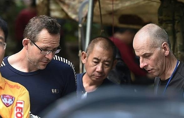 british divers involved in thai cave rescue recognised in uk new year honours list