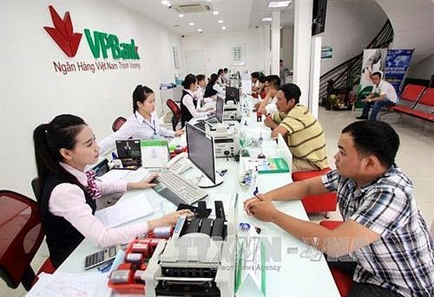 cash habit poor infrastructure prevent to non cash economy
