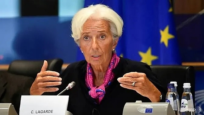 ecbs lagarde in spotlight as policy on hold