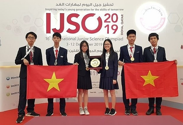 vietnamese students win three golds three silvers at ijso