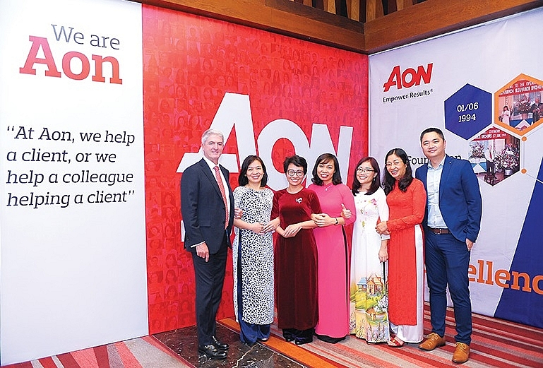 aon marks quarter of a century of excellence