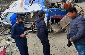 14 killed in nepal pilgrimage bus crash