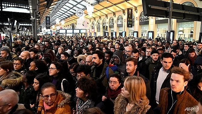 french commuters face 12th day of transport strike over pensions