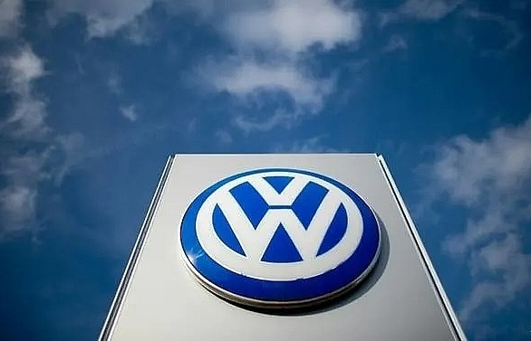 volkswagen says production suspended in algeria