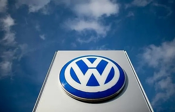 volkswagen says production suspended in algeria