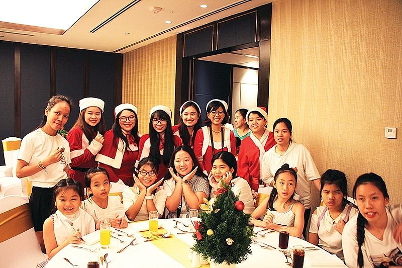 christmas is always warm in vietnam