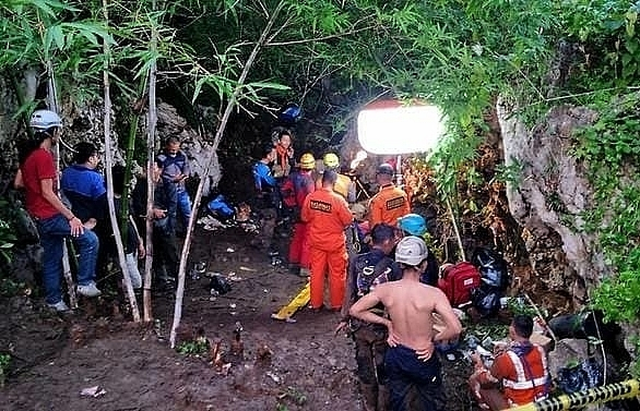 3 students found dead in flooded indonesian cave