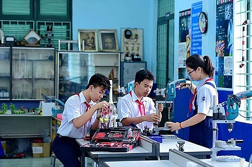 hcm city strives for smart schools