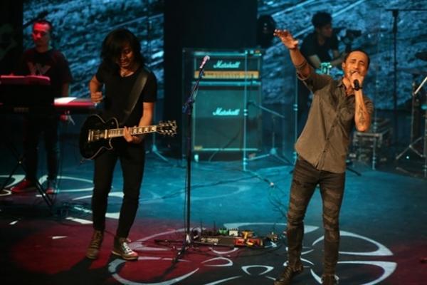 vietnams oldest rock band introduces new lead vocalist