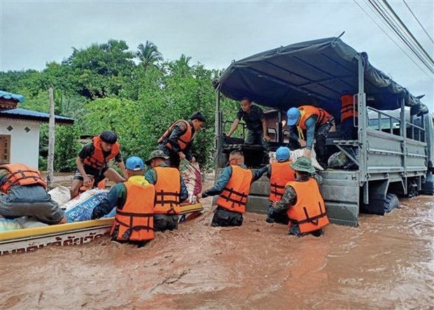 floods kill at least nine in southern thailand