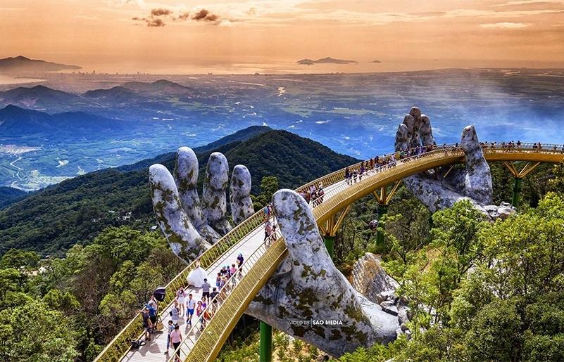 da nang draws two scenarios for future tourism development