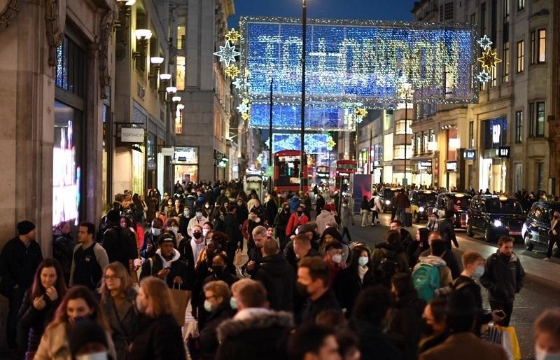 european nations tighten virus curbs as christmas surge fears grow