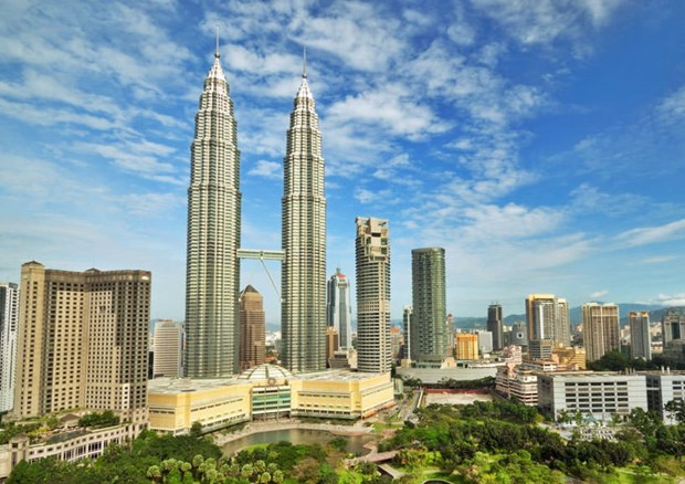 malaysia considers opening border to boost tourism