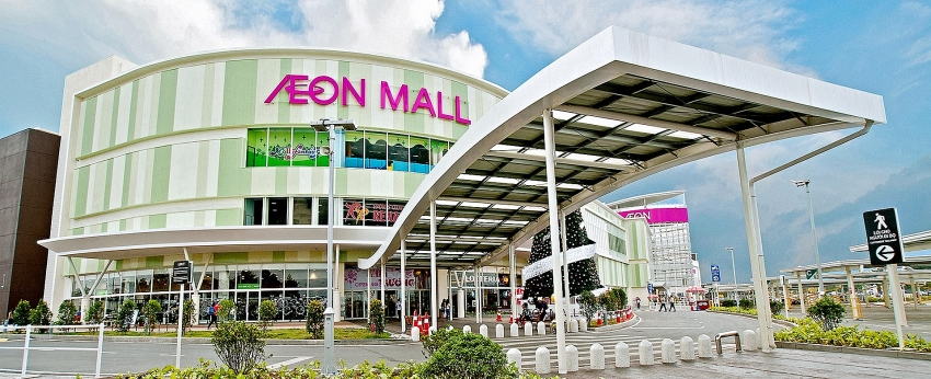 vietnams foreign retail giants see different tales