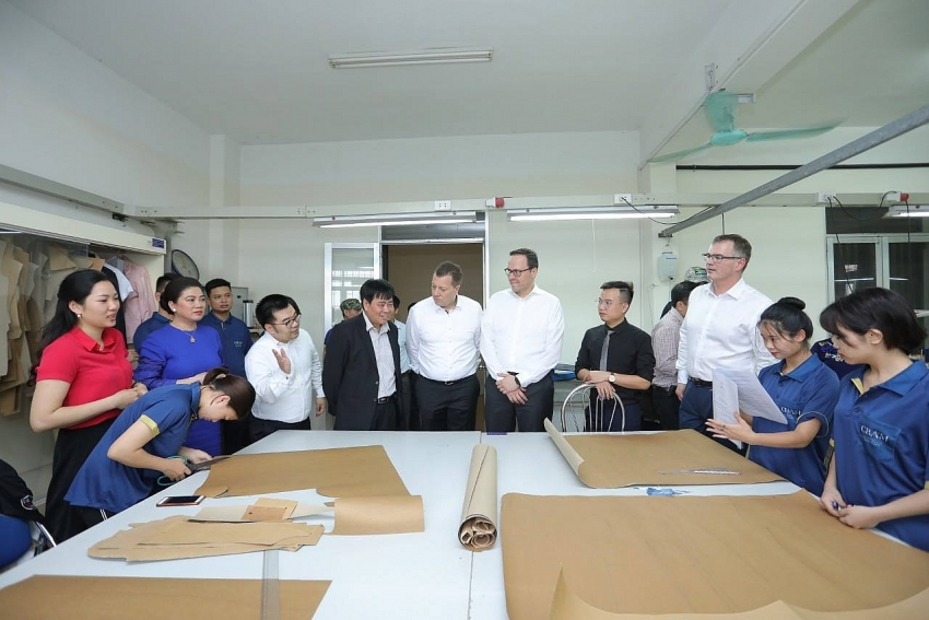 germany commits to supply dual vocational training programmes to hanoi