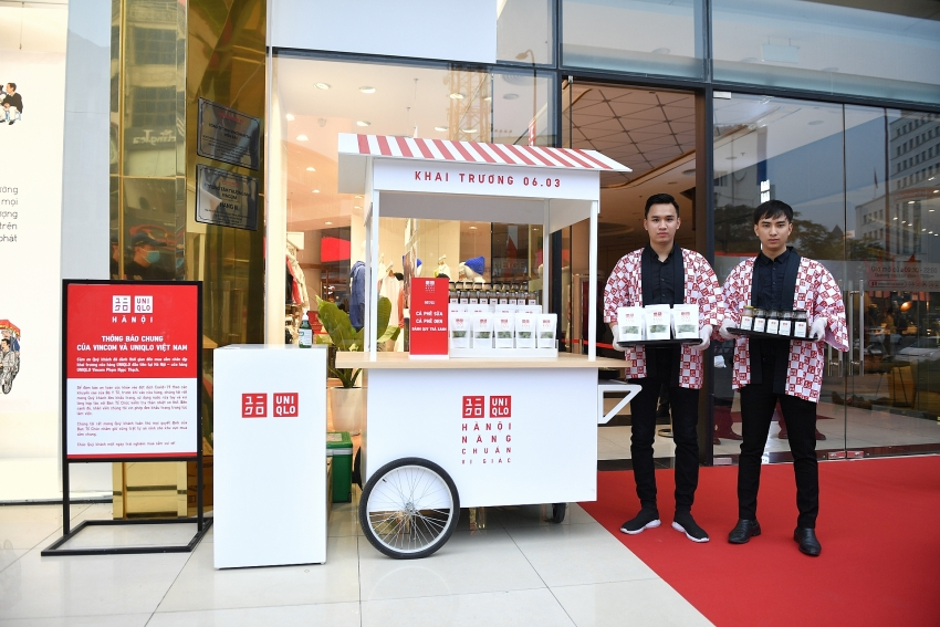 fashionaholics excited over official launch of uniqlo in hanoi