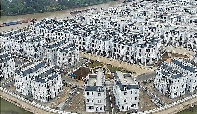 vingroup receives 13 billion from gic for property development