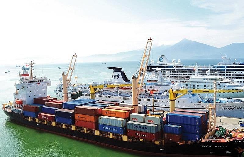 vietnam eager to develop lien chieu deep seaport