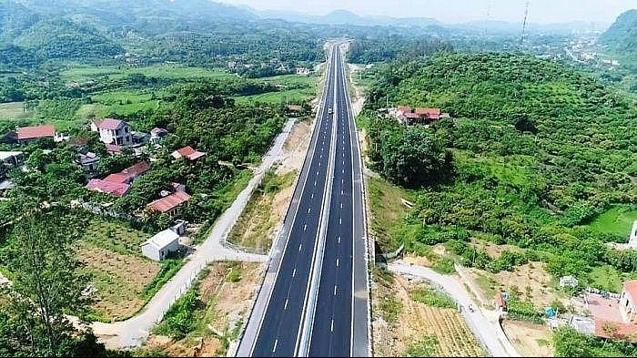 quang tri proposes to develop 335 million cam lo lao bao expressway