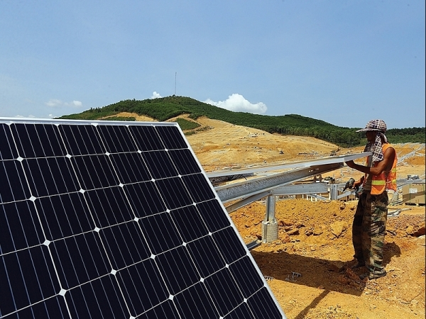 thai investors set sights on vietnams renewable sector