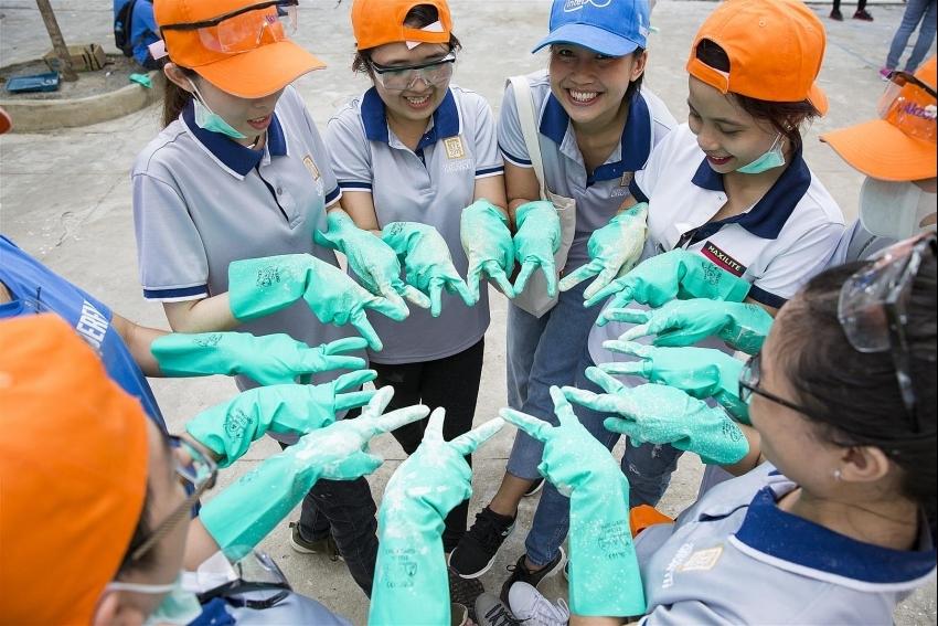 akzonobel supports education development in vietnam