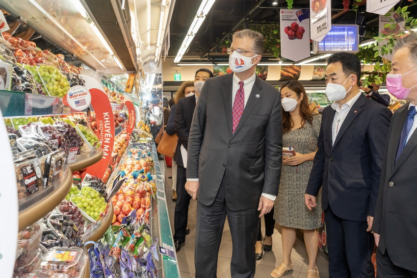 us food fair highlights variety of us products available in vietnam