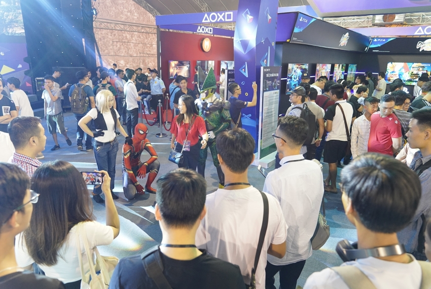 youth up sony show 2018 arrives to hanoi