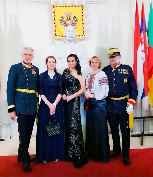 doan thi kim hong first mrs world raised charity in austria