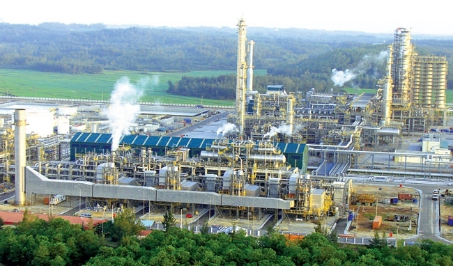 nghi son refinery and petrochemical complex in a rush to complete construction