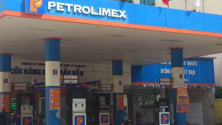 Petrolimex stocks fall with sinking performance