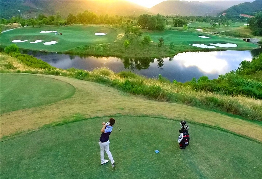 ba na hills golf club bags asias best golf course title once again