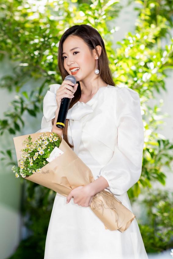 midu debuts yu cosmetics beauty cosmetics brand