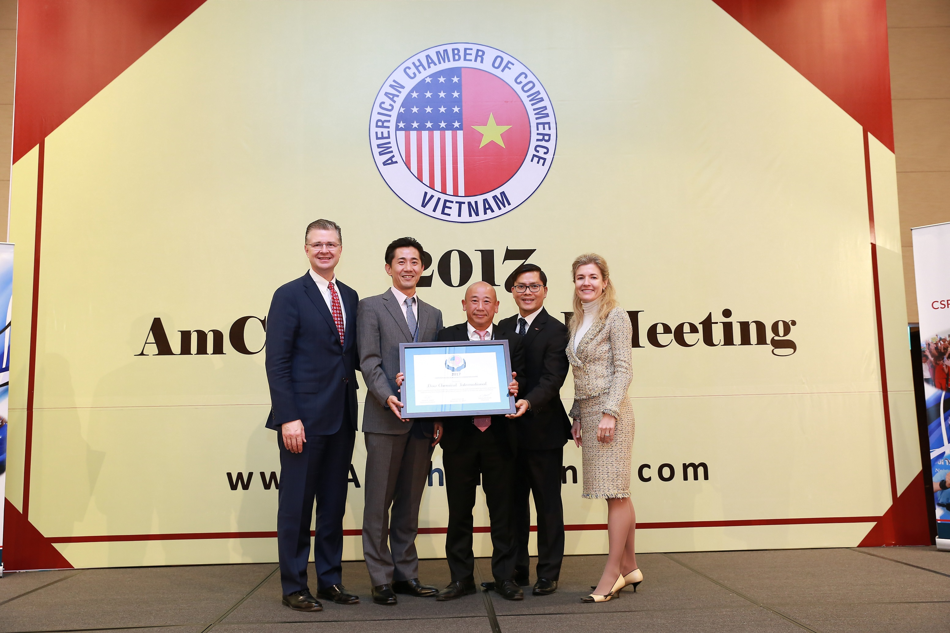 dow vietnam wins the third consecutive amchams csr award
