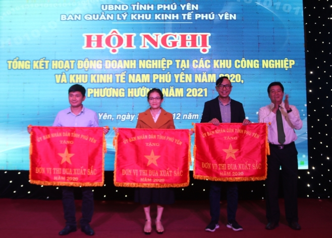 south phu yen economic zone lures in 115 projects worth 955 billion
