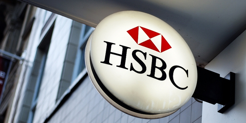 hsbc considers cutting thousands of jobs and downsizing its businesses
