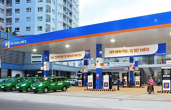 oil hits five week high in world while gasoline drops in vietnam