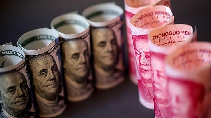 chinese yuan weakened to 11 year low in response to new tariffs