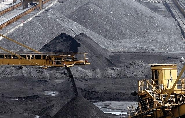 moodys affirms vinacomins b3 rating amid slower coal export