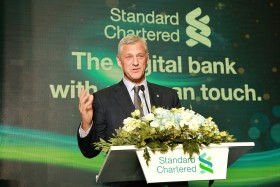 New Standard Chartered branch features Vietnam's first automatic deposit locker