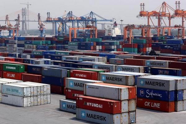 hong kong capital finds way to vietnam amid trade war