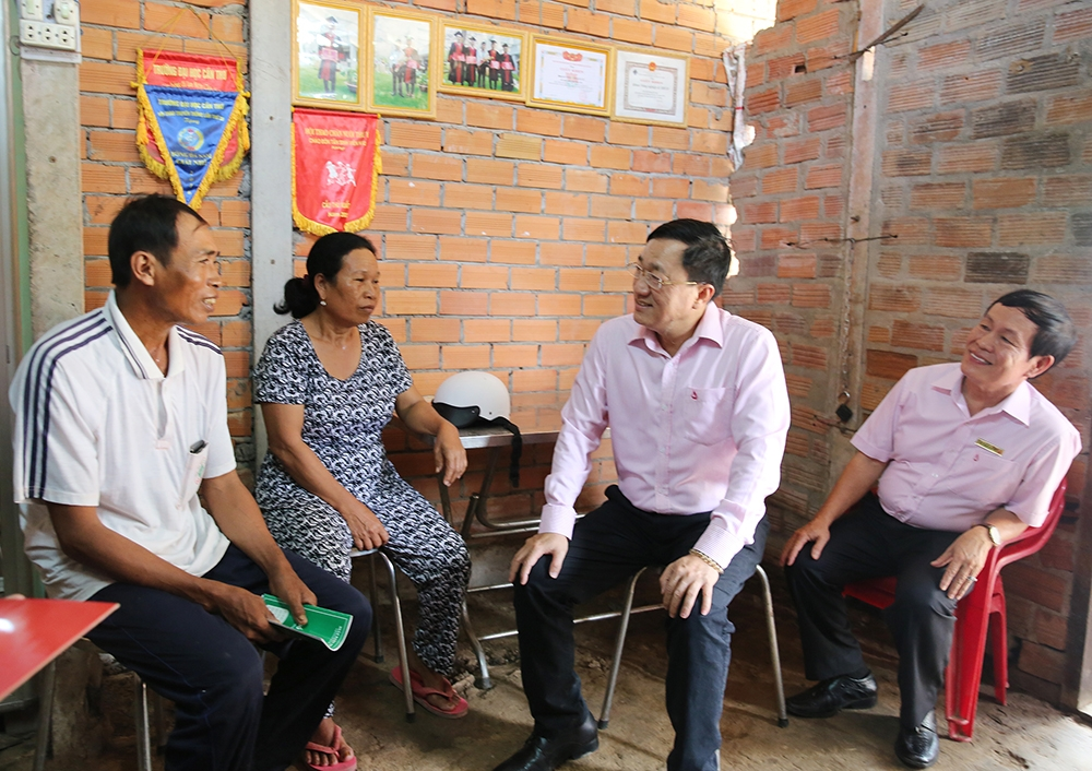 soc trang ethnic residents improve life with microfinance