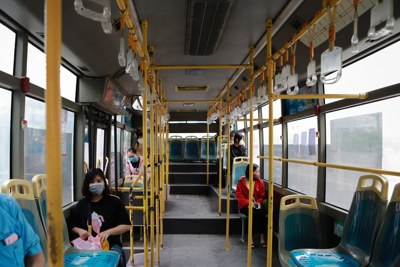 hanoi cuts bus service by 80 per cent to prevent covid 19