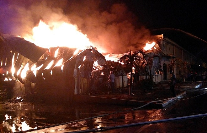 huge fire at 300 million texhong textile factory in quang ninh